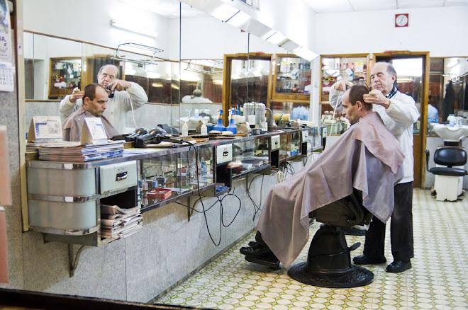 O Sr. Jorge e a sua arte de 56 anos de experiência - Barbearia do Mesquita, Cova da Piedade