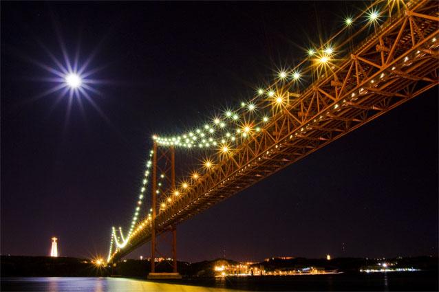 Estrelas sobre o Tejo - Ponte 25 de Abril, noite de Lua Cheia
