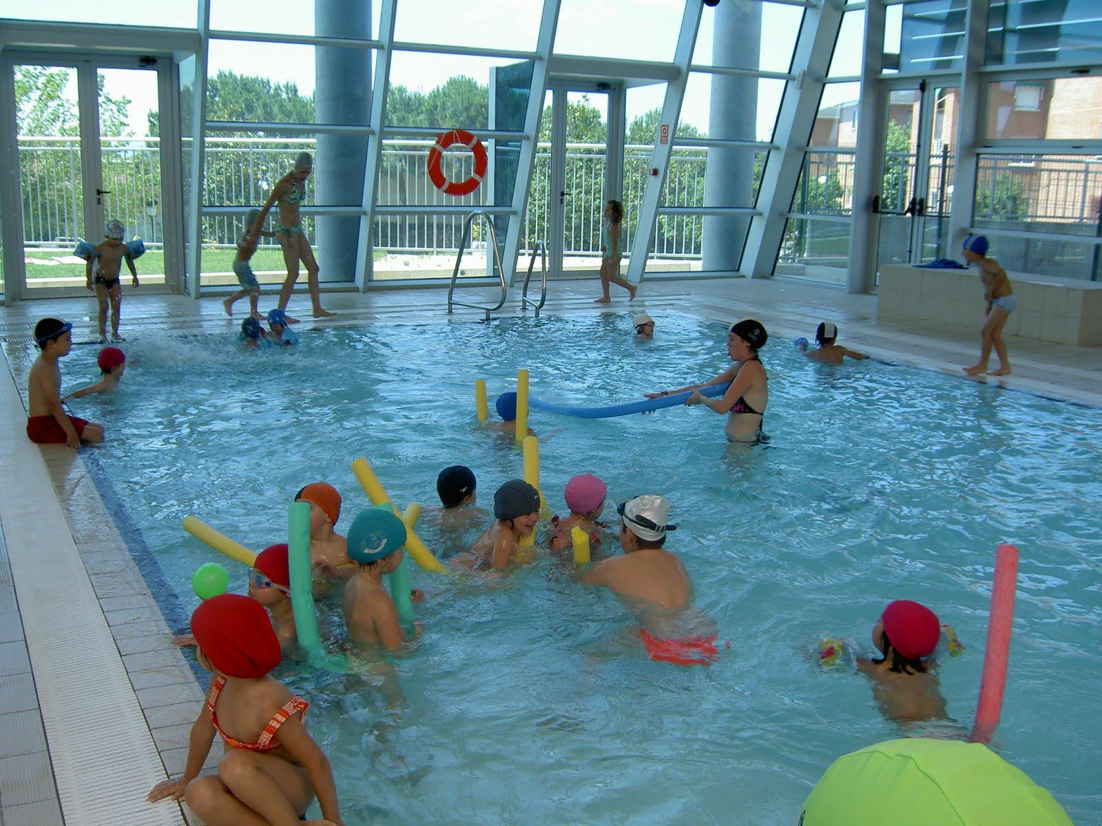 Miniclub soto del real primer d a de piscina for Piscinas soto