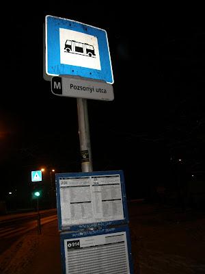 buszmegálló, igénytelenség, Intermédia Kft, IV. kerület, megálló, Outdoor Reklám, reklám, utasváró, Újpest