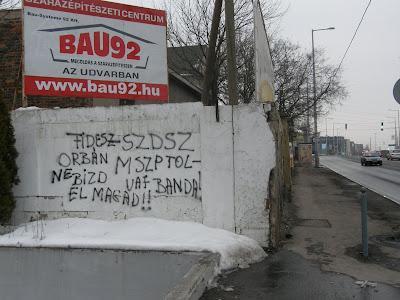 Budapest, IX. kerület, Ferencváros, Soroksári út, kampány, falfirka, street-art, public art, politika, Fidesz, SZDSZ, MSZP, blog