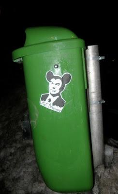 blog, Budapest, Kodály Körönd, public art, sticker, street-art, VI. kerület, Orbán Viktor, Viki Mouse, Mickey Mouse, Mikiegér