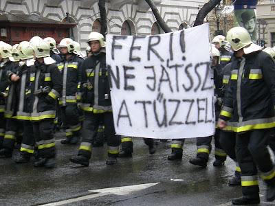 Budapest, egységes közszolgálati demonstráció, Gyurcsány, Kossuth tér, közszolgák, közszolgálat, közszolgálati, Parlament, szakszervezetek