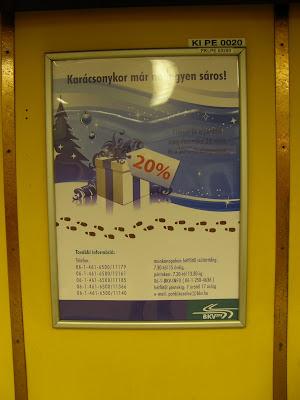 BKV, pótdíj, kék metró, reklám,  Peron Reklám, karácsony