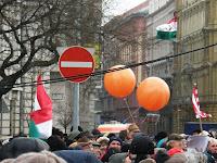 belváros, képek, fotók, fotó, pictures,  bojkott ellen, Budapest, Magyar Hírlap, Széles Gábor, tüntetés, V. kerület