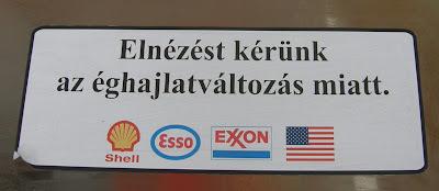 Amerikai Egyesült Államok, Esso, Exxon, felmelegedés, matrica, Rákóczi út, Shell, VII. kerület, éghajlatváltozás, global warming, Budapest, protest