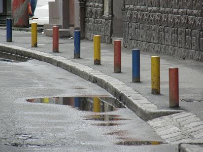 nemzeti színek, street art,  Funar, tricolor, városimázs, piros sárga kék, Cluj, Kolozsvár,  rosu galben albastru, roman, Romania, nacionalizmus, sovinizmus