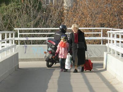 motorbicikli, III. kerület, Óbuda,  motoros, szabálytalanság, Tímár utca,  felüljáró, HÉV megálló,