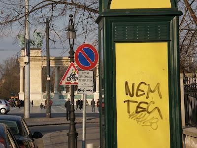 Hősök tere, Andrássy út, VI. kerület, Terézváros, Budapest, tag, teg, firka, vandalizmus, falfirka, street art, tag