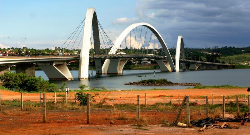 Brasilia : The Juscelino Kubitschek Bridge Ponte Juscelino Kubitschek, Alexandre Chan  & Mário Vila Verde