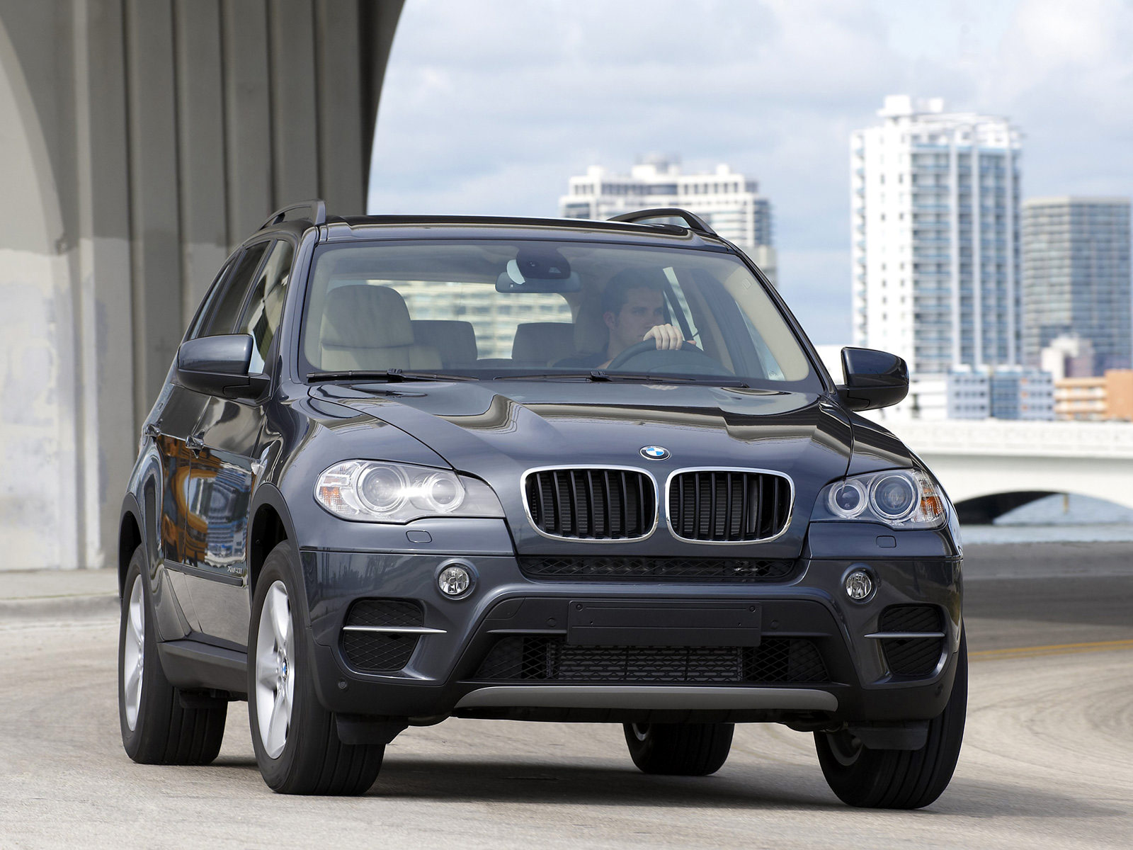 2011 bmw x5 car accident lawyers info desktop wallpapers. Black Bedroom Furniture Sets. Home Design Ideas