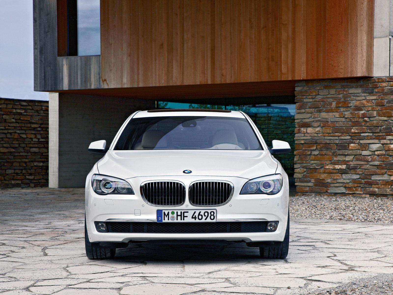 http://3.bp.blogspot.com/_DEP49tusZwg/TNF5RV8y53I/AAAAAAAACQs/HdaRCNjh7o8/s1600/BMW-760Li_2010_06.jpg