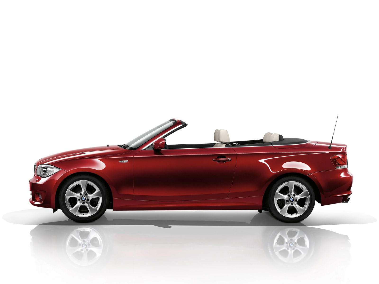 2012 BMW 1-Series Convertible car accident lawyers info