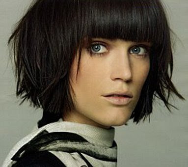 short hairstyle with wisps,