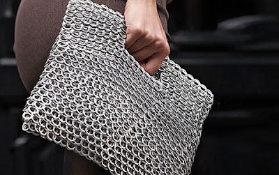 Bolsas tejidas con anillas de latas