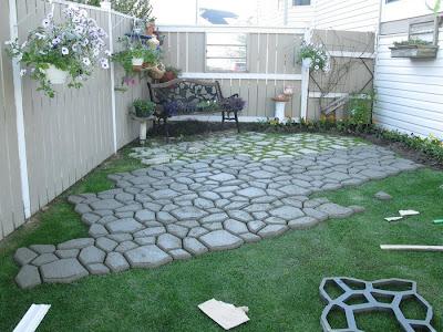 Pon linda tu casa pisos de piedras for Bloques de cemento para pisos de jardin