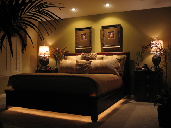 Creative decorating master bedroom dreaming for Creative master bedroom ideas