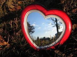 uneori fereastra inimii oglindește ne-nțelese gânduri