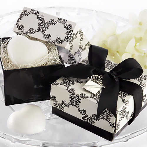 With These Prettily Packaged Heart Shaped Soap Favors Love Has Never Looked So Good