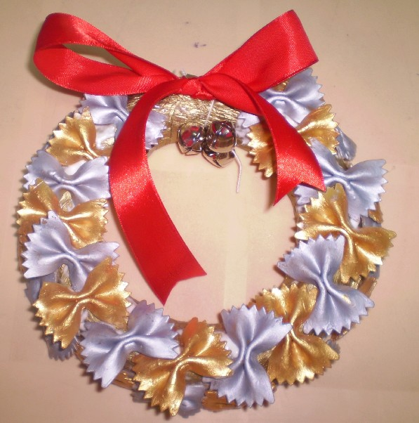 I Love Crafts: Nov 11: Pasta Wreaths