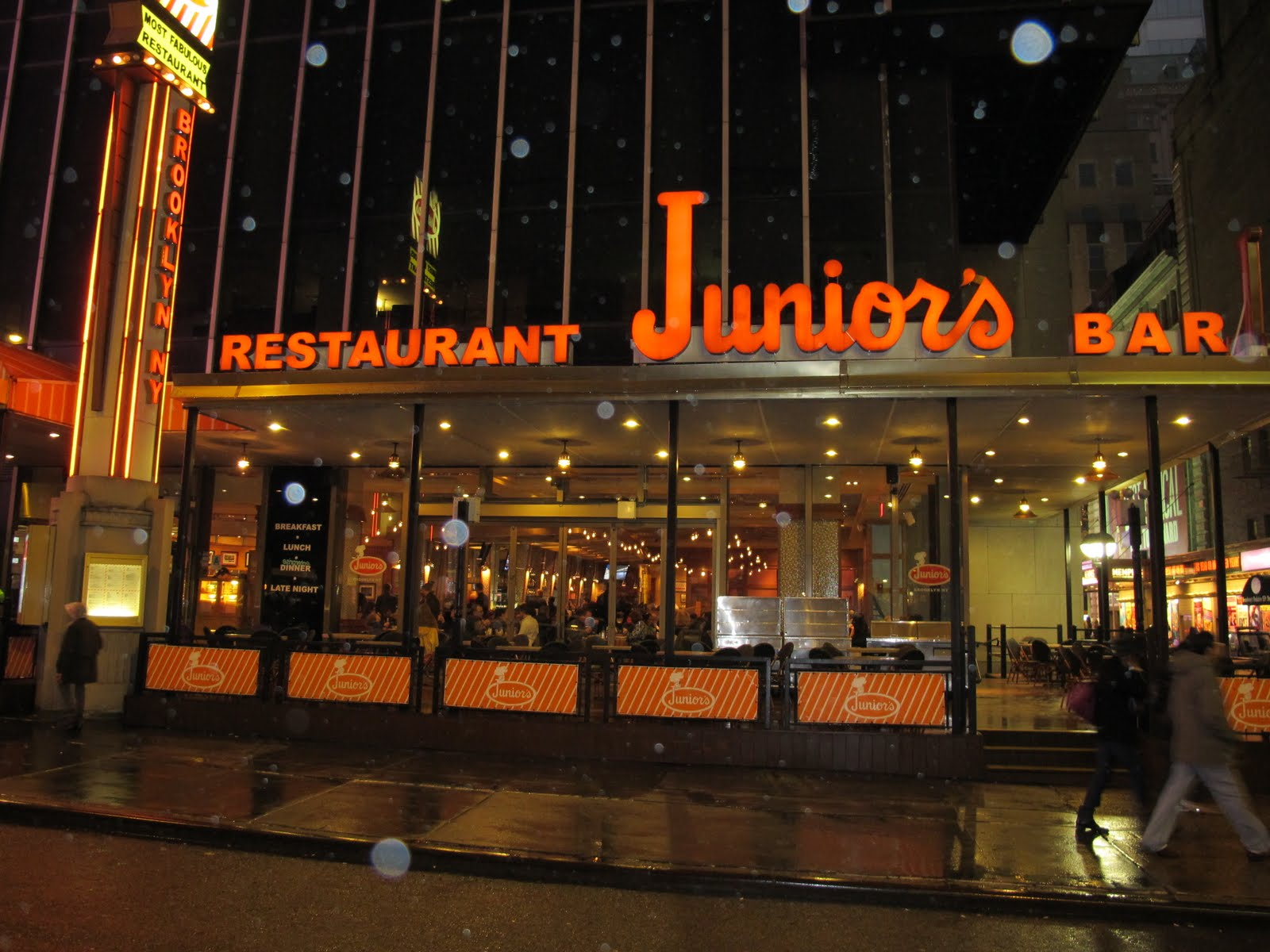 Junior 39 S Times Square American Restaurant New York NY 10036