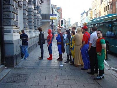 super kahramanlar para