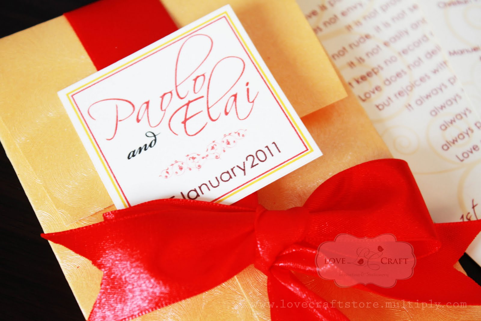 Love Talks: Gold & True Red fan style wedding invitation