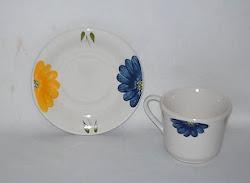 1 xicara de porcelana/ celebration