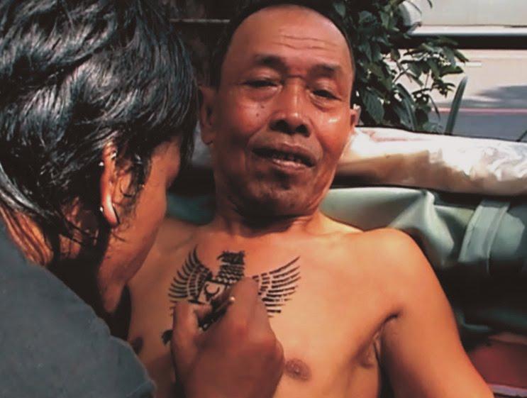 kitabsolo belasan tukang becak di solo rela dadanya di tato lambang ...