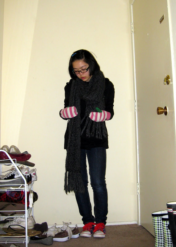 chunky scarf, J. Crew mittens, ready for late night paper-writing