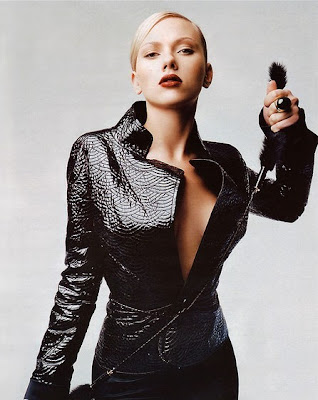scarlett johansson leather jacket. Leather Leather Everywhere!