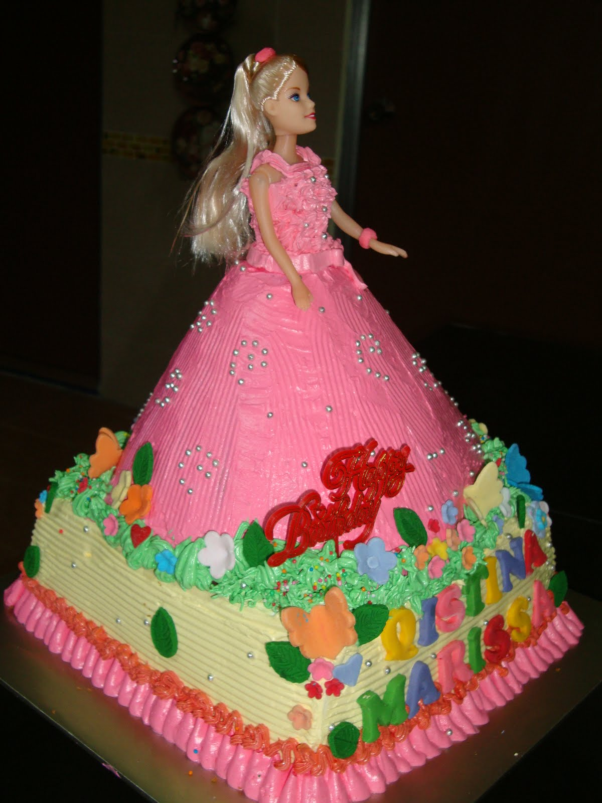 Images Of A Barbie Cake : ninie cakes house: Barbie Doll Cakes