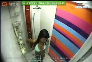 Video GH 2011: Solange bañandose en la ducha.