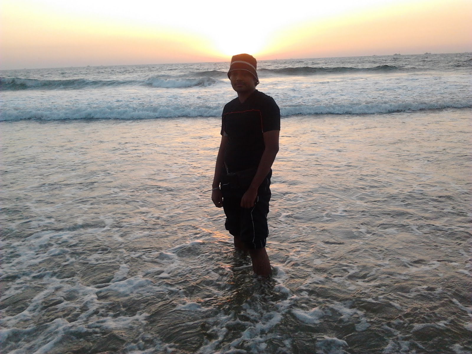 my first trip to the beach essay Static-descriptive essay- road trip heat or try to embrace it by going to the beach go through my body- the same feeling i felt the first time i.