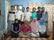 Gambar family dalam rumah