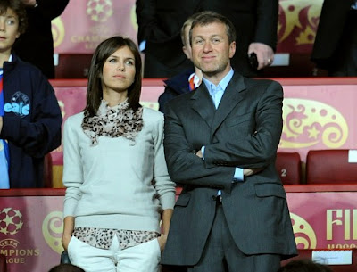 Roman Abramovich and Girlfriend Daria Zhukova in Chelsea vs Manchester United Champion League match 02