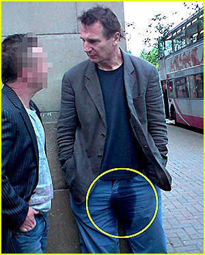 liam neeson pees in his pants 01
