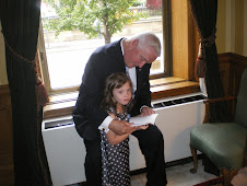 Chloe meets PA Governor Tom Corbett and reads to him!