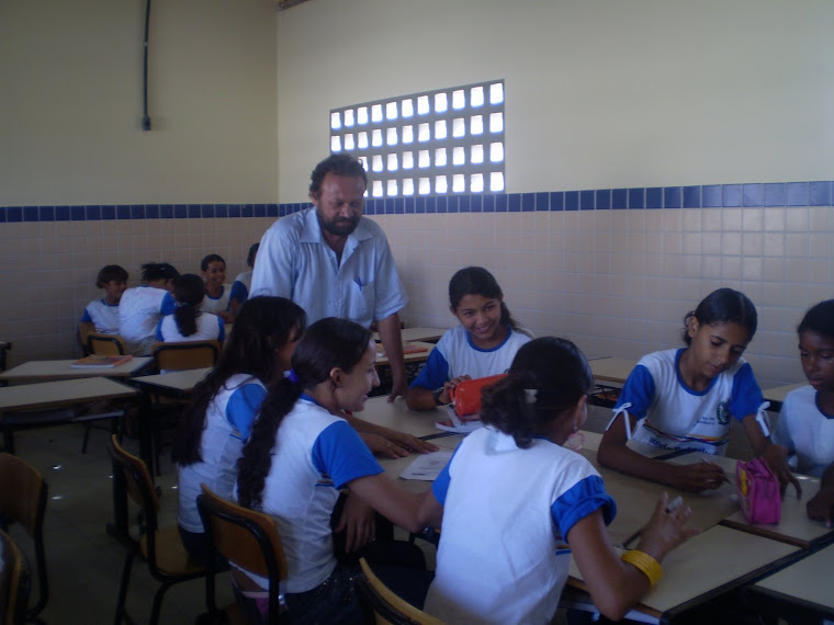 Professor Umberto e as atividades de Matemática. Gestar II.