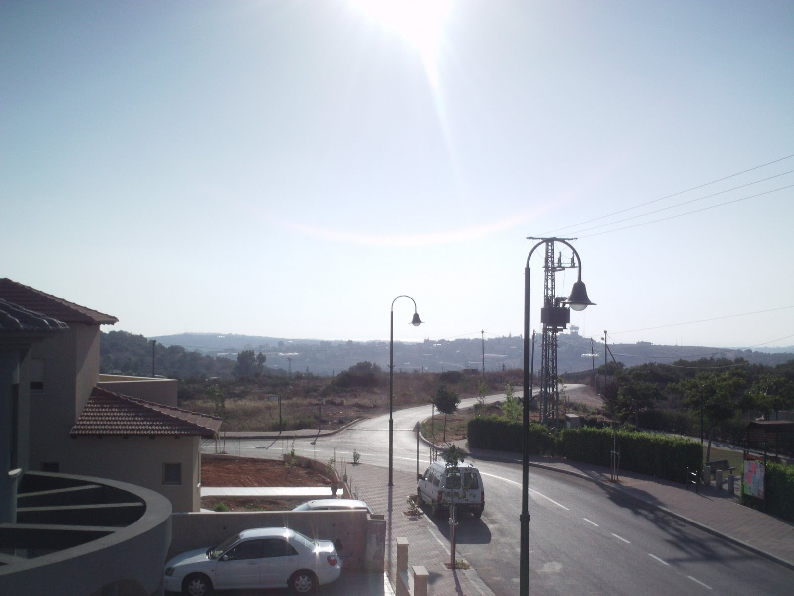 [Looking+down+street+from+mirpeset.JPG]