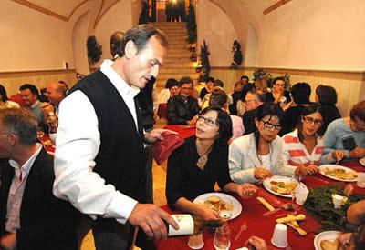 http://3.bp.blogspot.com/_DW3Bp12L7YI/SR2cCzo08aI/AAAAAAAAQB8/FYn0Xja07ko/s400/restaurant.jpg