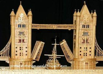 London's Tower Bridge @ strange world