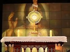 """""""A Ele a Glória a Ele o Louvor a Ele o Domínio Ele é o Senhor."""""""