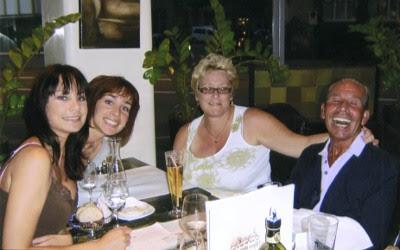 Dianne, Joanne, Barbara og John Huff fejrer et godt liv
