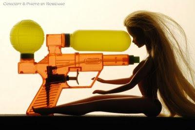 Barbie dukke, skyd mig!