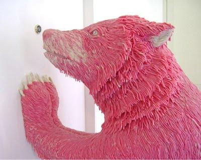 Skulptur af Maurizio Savini, tyggegummi bjørn