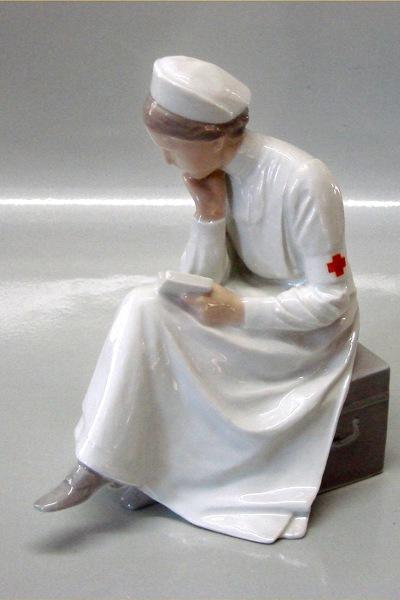 Sygeplejerske/samarit, Bing&Grøndahl figur