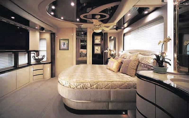 bedroom motor a w challenger coach floor motorhome class new tx plan thor slides
