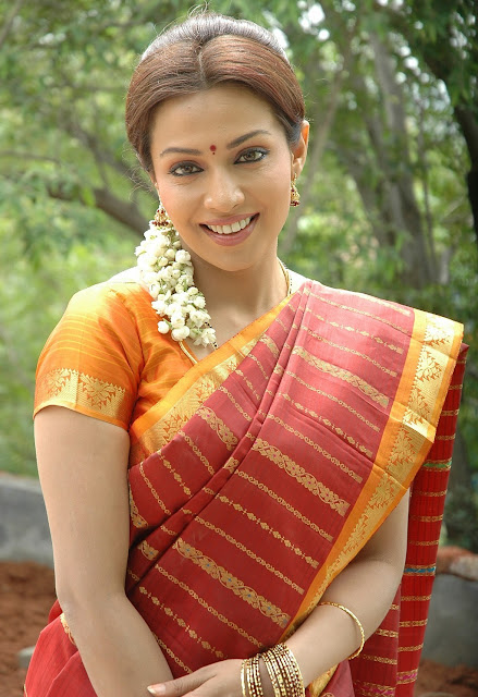 Actress Asha Saini FloraMayuri in Hot Saree HQ Photos Gallery sexy stills