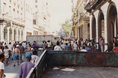 SACADO DEL BLOG DESARRAIGOS PROVOCADOS,una serie de fotos ineditas de lo que se vivio aquel dia... Opstand+Havana+2